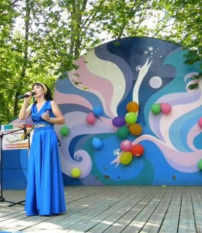 Певица Зульфия Жихан