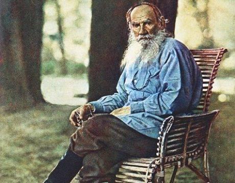 Лев Толстой в Ясной поляне, 1908
